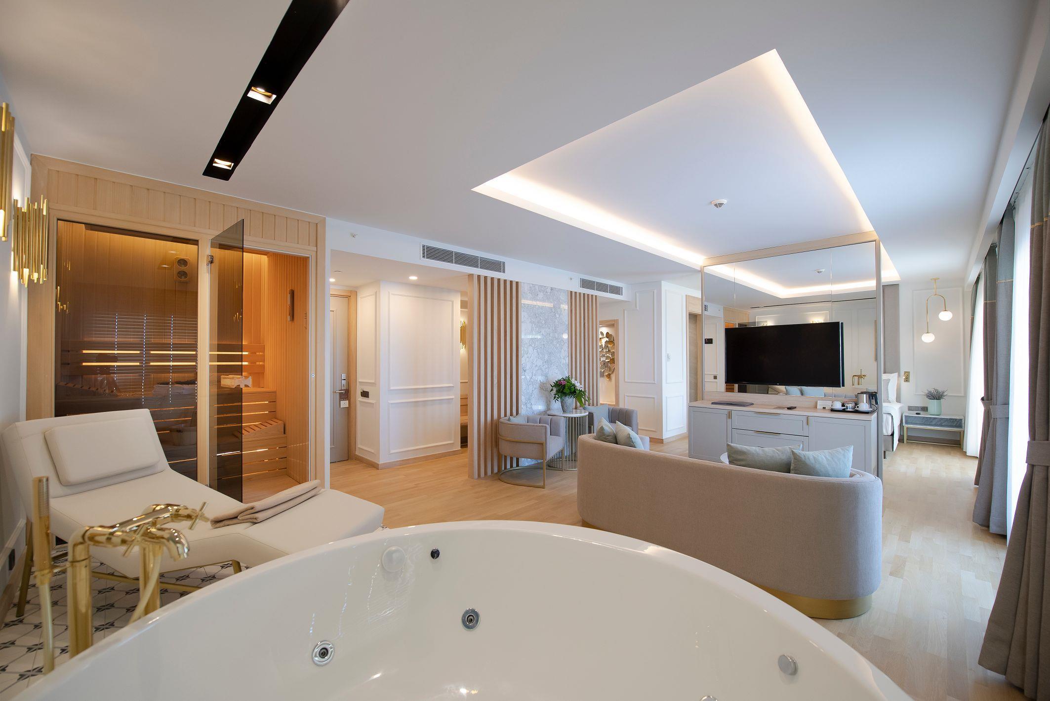 http://www.orextravel.sk/OREX/hotelphotos/miramare-queen-hotel-general-004.jpg