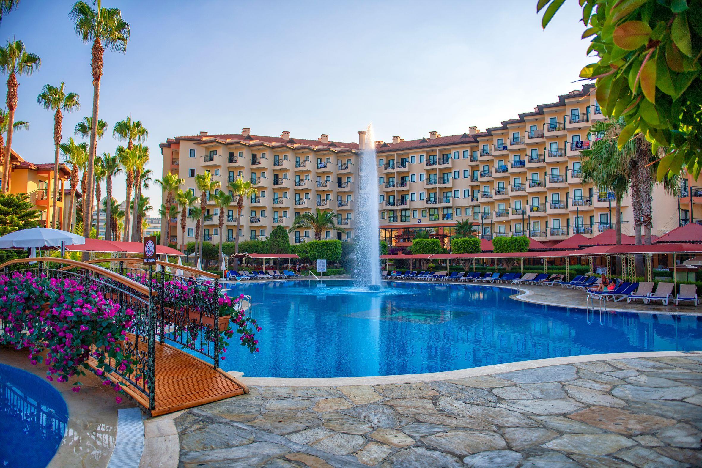 http://www.orextravel.sk/OREX/hotelphotos/miramare-queen-hotel-general-0040.jpg