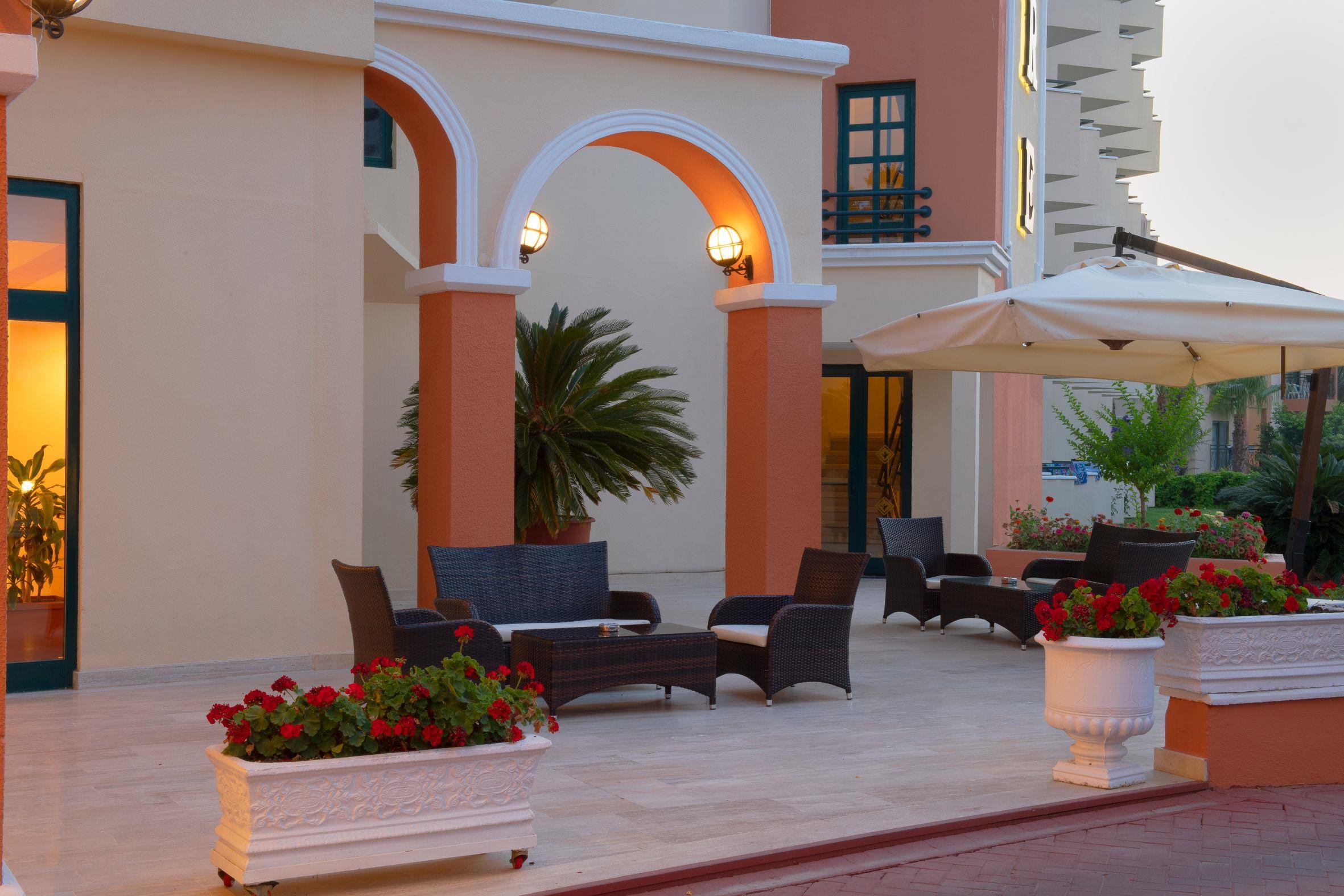 http://www.orextravel.sk/OREX/hotelphotos/miramare-queen-hotel-general-0047.jpg