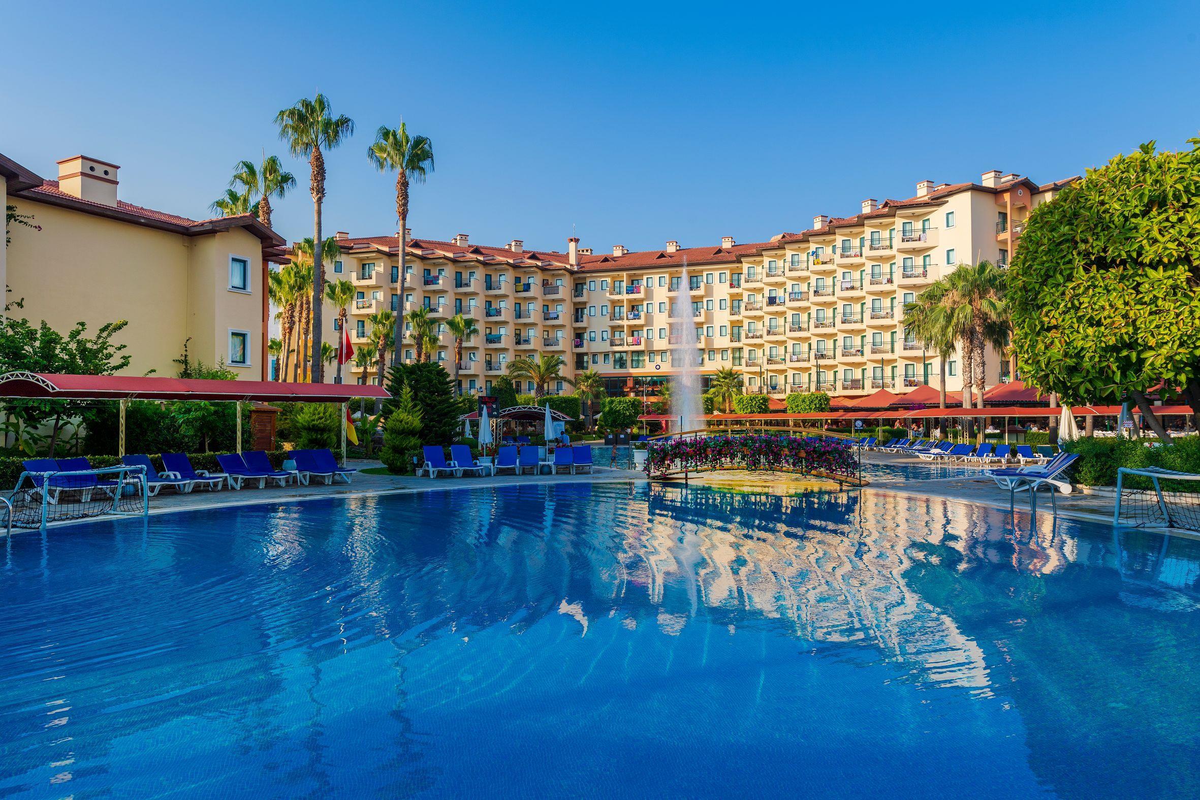 http://www.orextravel.sk/OREX/hotelphotos/miramare-queen-hotel-general-0049.jpg