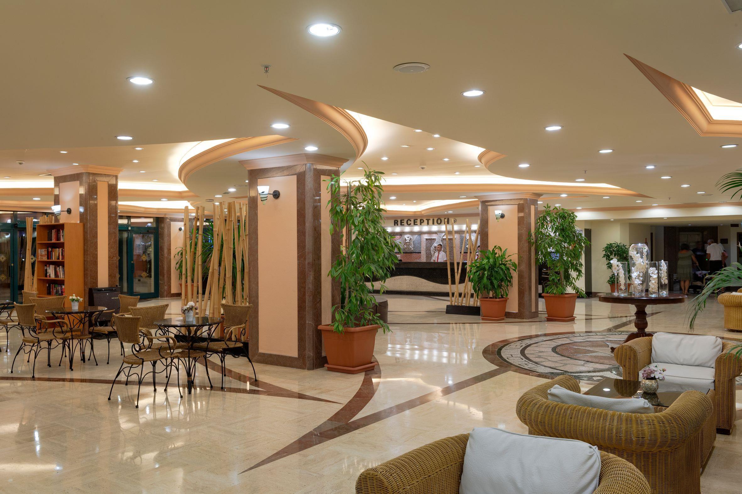 http://www.orextravel.sk/OREX/hotelphotos/miramare-queen-hotel-general-0053.jpg