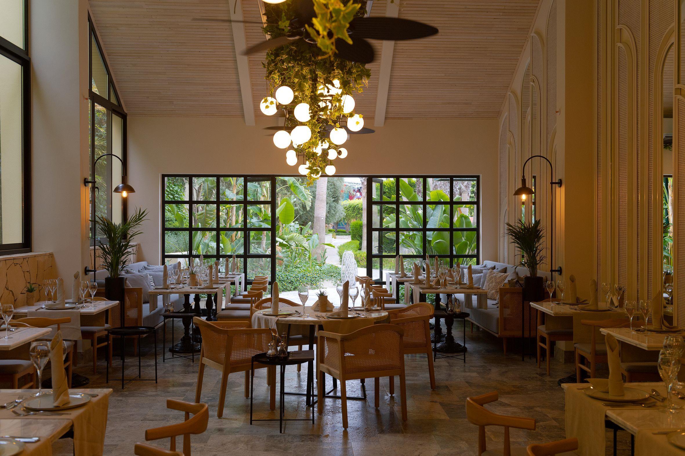 http://www.orextravel.sk/OREX/hotelphotos/miramare-queen-hotel-general-0071.jpg