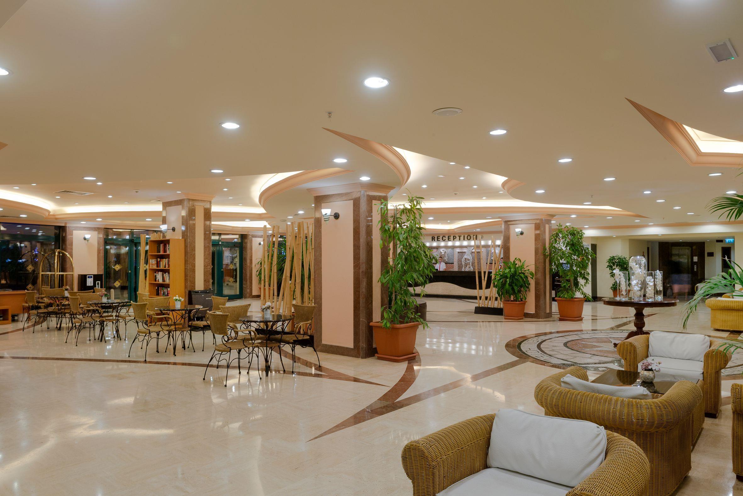 http://www.orextravel.sk/OREX/hotelphotos/miramare-queen-hotel-general-0078.jpg