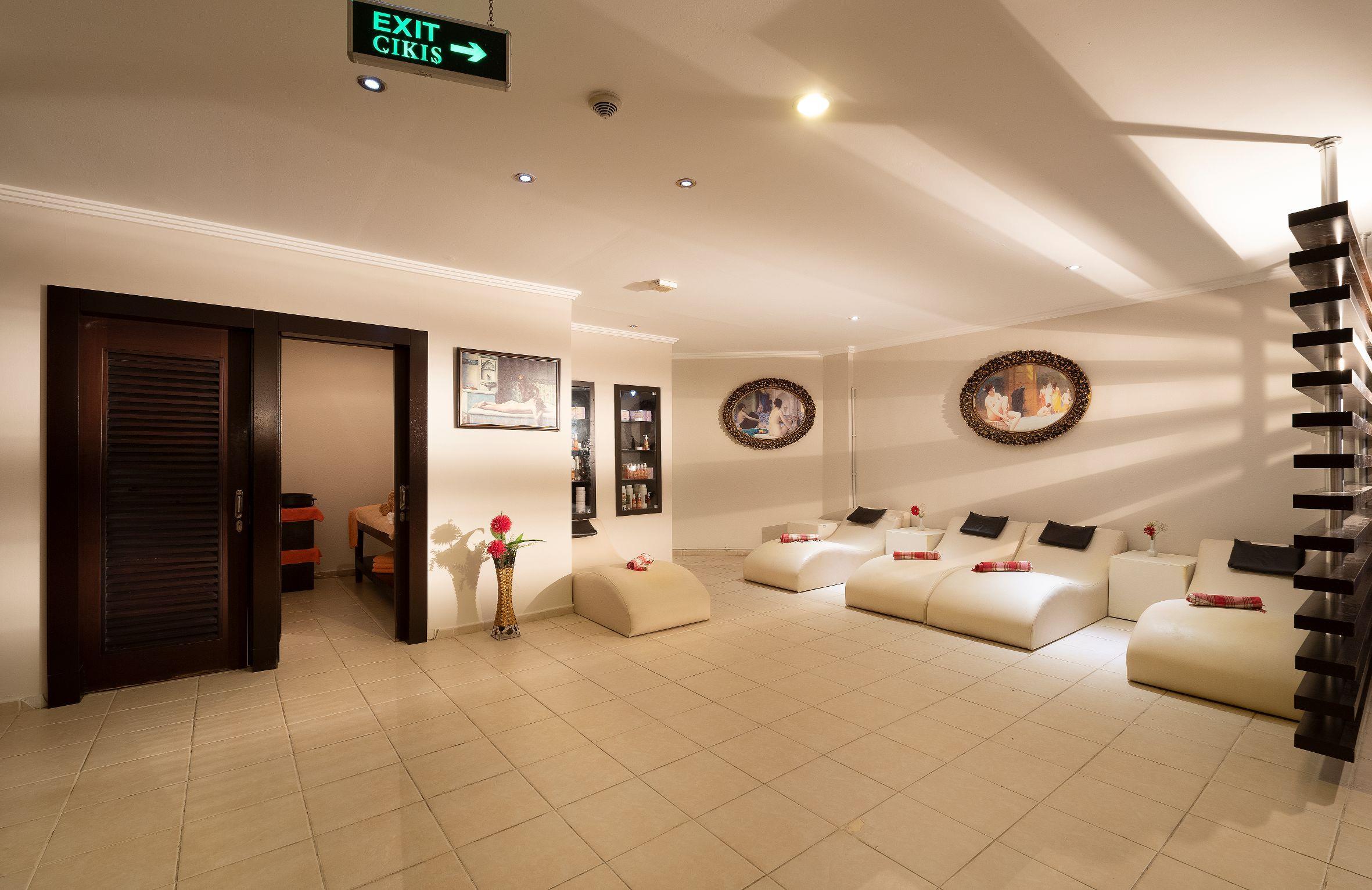 http://www.orextravel.sk/OREX/hotelphotos/miramare-queen-hotel-general-0086.jpg