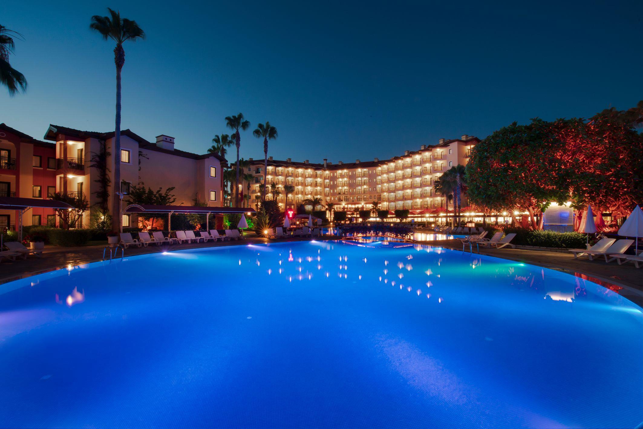 http://www.orextravel.sk/OREX/hotelphotos/miramare-queen-hotel-general-0090.jpg