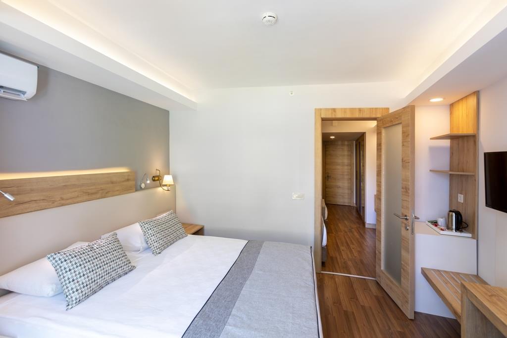 http://www.orextravel.sk/OREX/hotelphotos/narcia-resort-hotel-general-0015.jpg