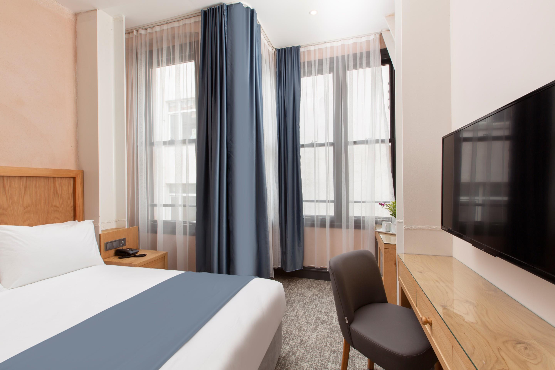 http://www.orextravel.sk/OREX/hotelphotos/premist-hotel-taksim-general-004.jpg