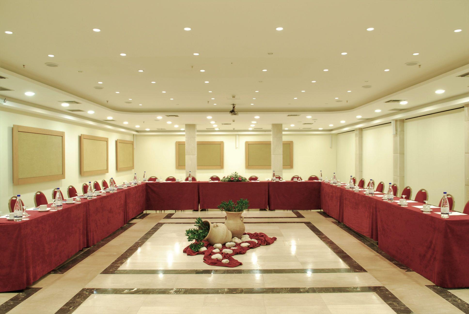 http://www.orextravel.sk/OREX/hotelphotos/royal-belvedere-general-0052.jpg