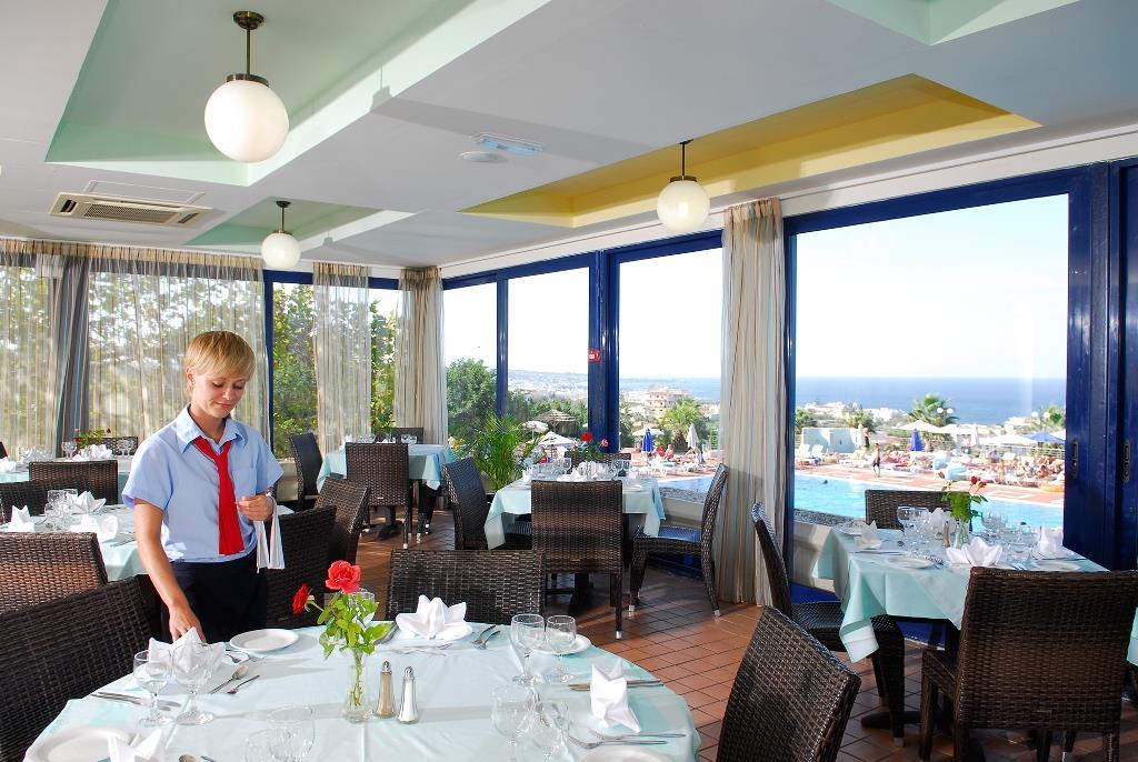 http://www.orextravel.sk/OREX/hotelphotos/royal-belvedere-general-021.jpg