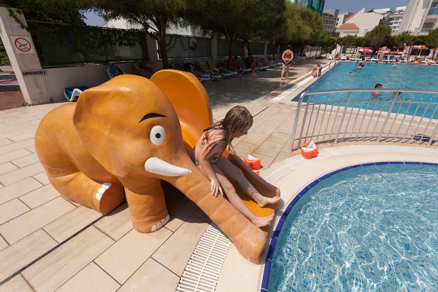 http://www.orextravel.sk/OREX/hotelphotos/seher-sun-beach-general-006.jpg