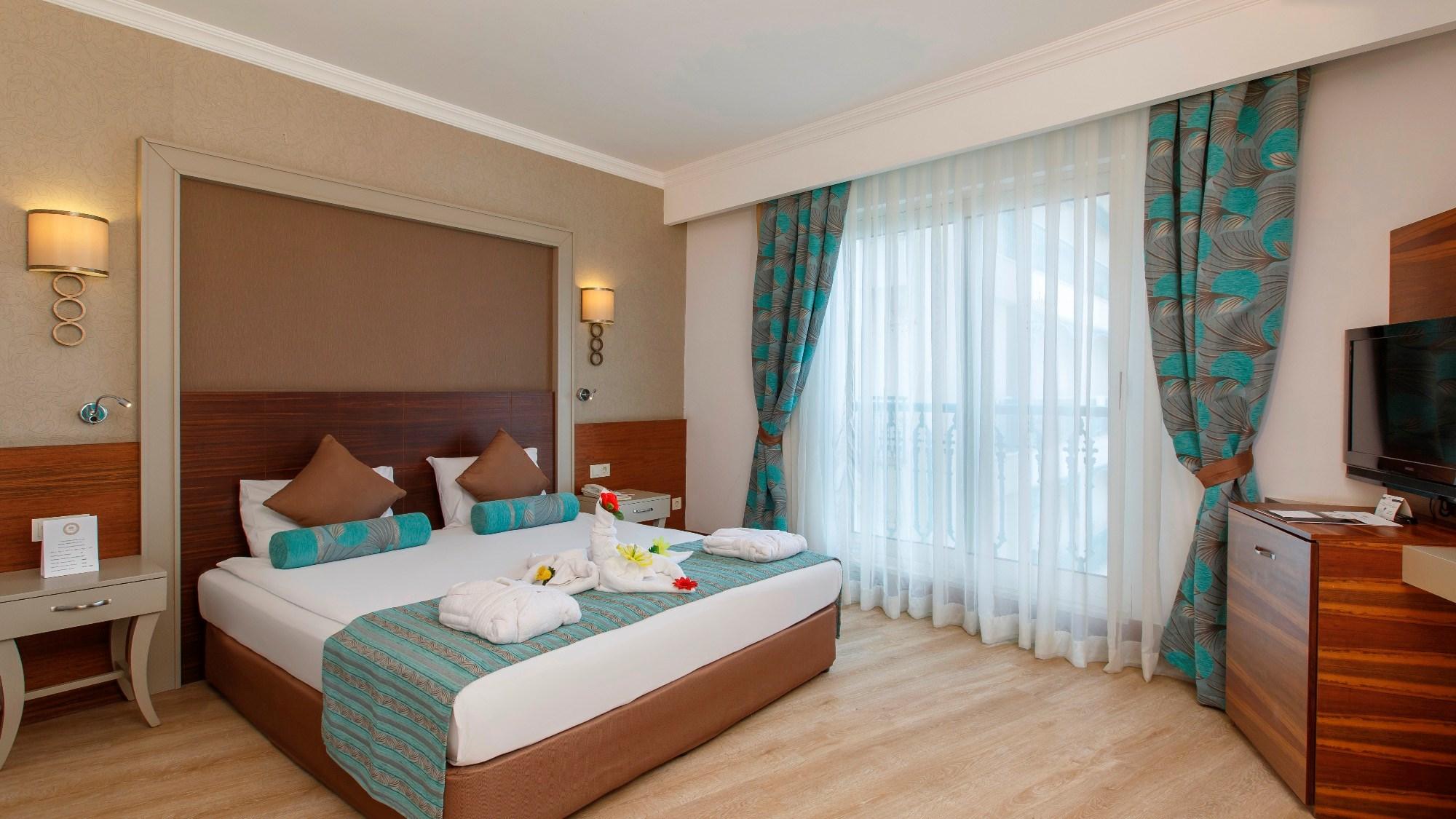 http://www.orextravel.sk/OREX/hotelphotos/side-crown-palace-general-114405.jpg