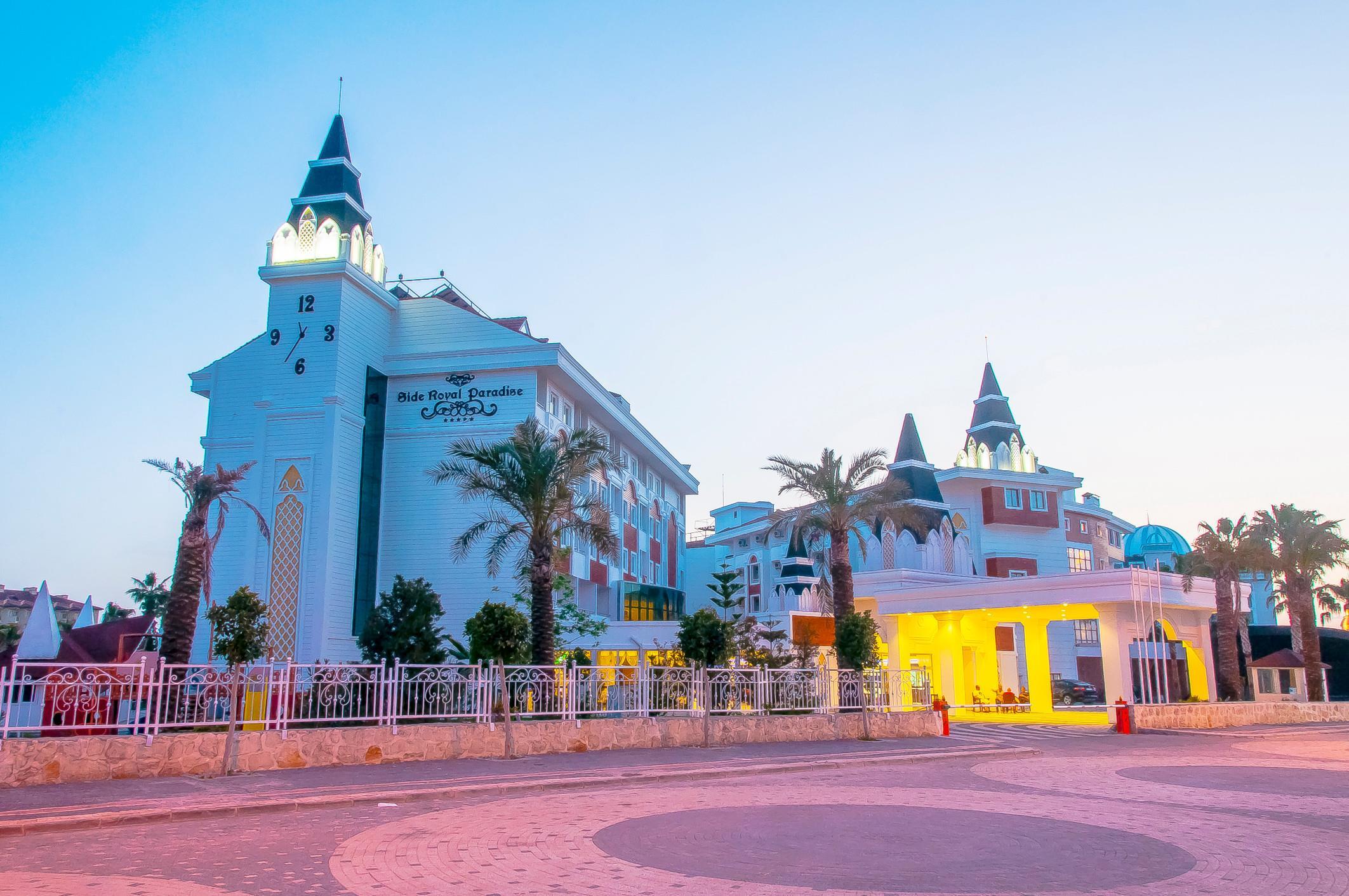 http://www.orextravel.sk/OREX/hotelphotos/side-royal-paradise-general-001.jpg