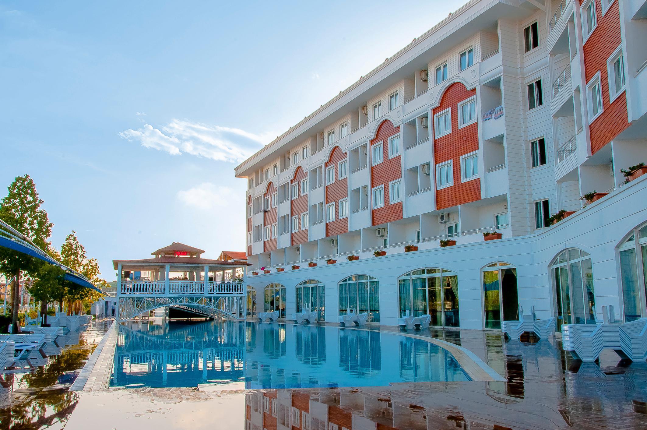 http://www.orextravel.sk/OREX/hotelphotos/side-royal-paradise-general-0019.jpg