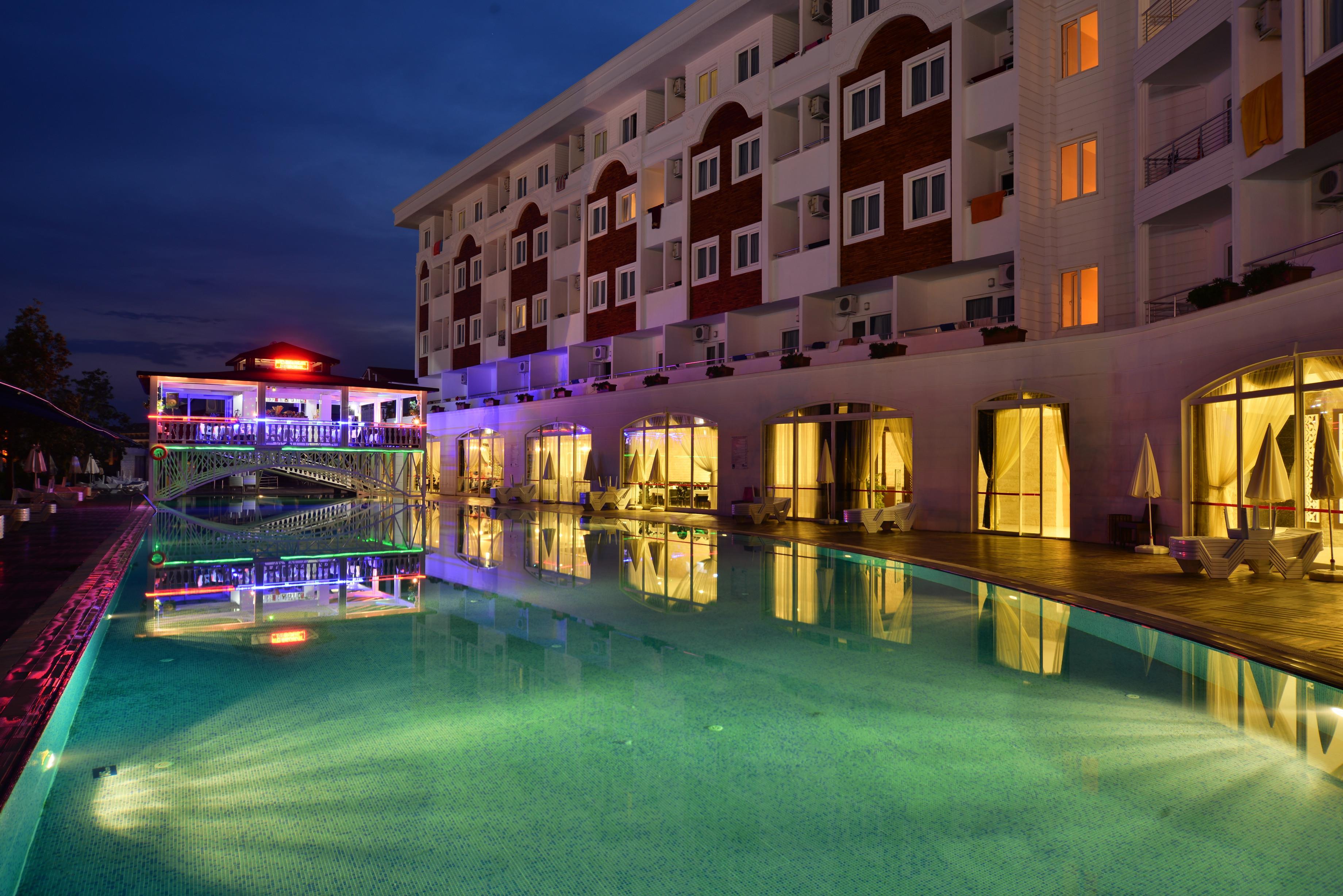 http://www.orextravel.sk/OREX/hotelphotos/side-royal-paradise-general-0020.jpg