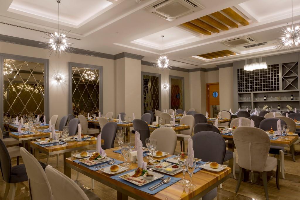 side-sungate-hotel-015.jpg
