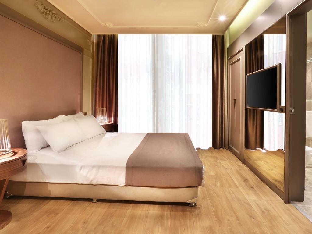 http://www.orextravel.sk/OREX/hotelphotos/taksim-premium-general-001.jpg