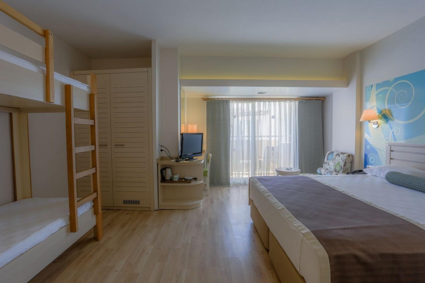 http://www.orextravel.sk/OREX/hotelphotos/thalia-unique-area-0018.jpg