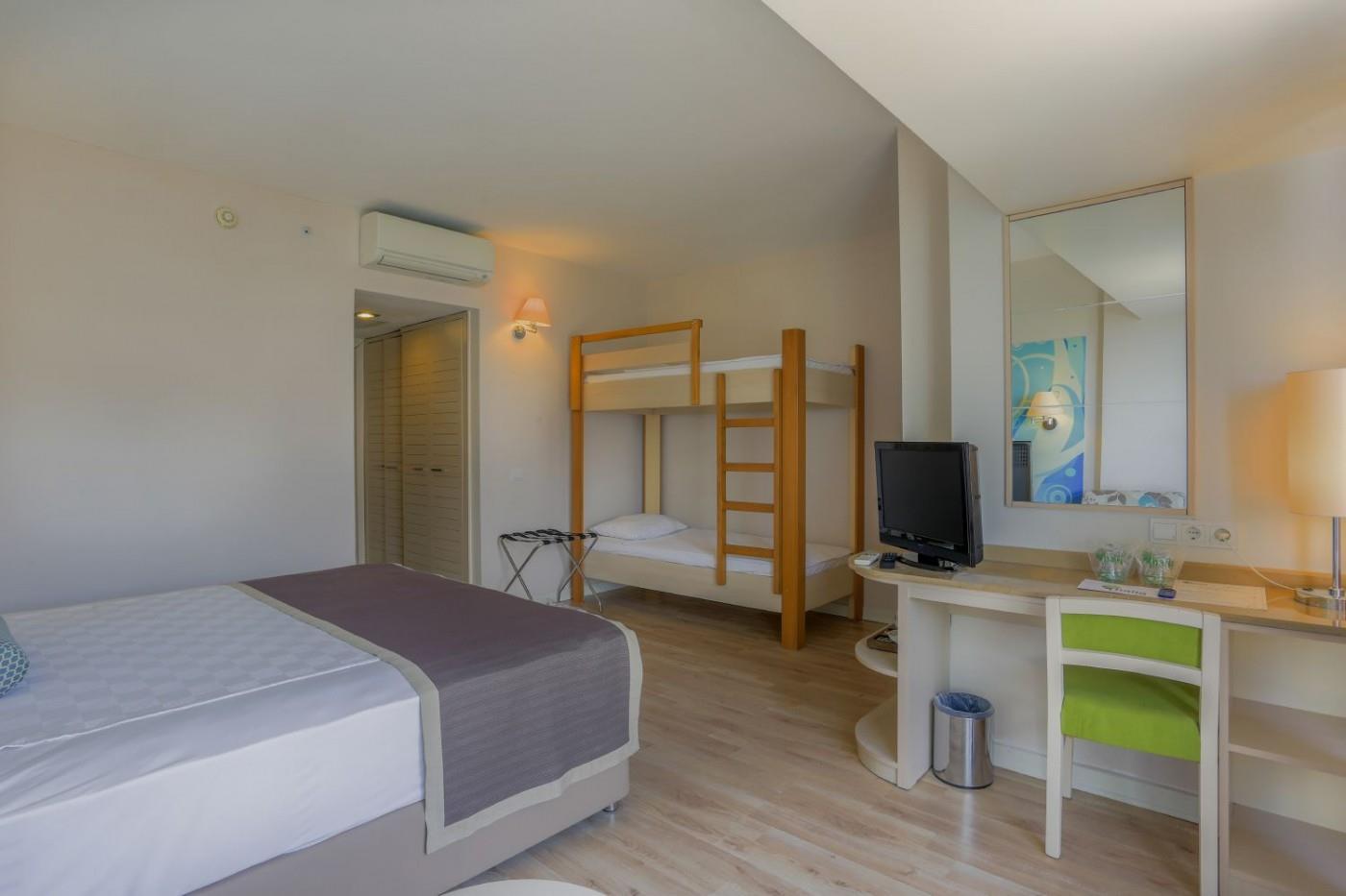 http://www.orextravel.sk/OREX/hotelphotos/thalia-unique-area-0034.jpg