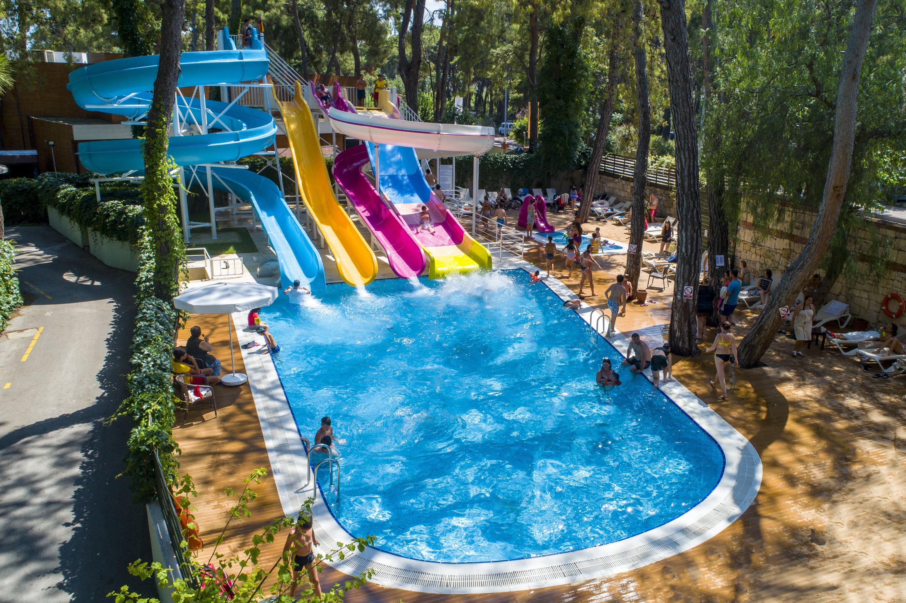 http://www.orextravel.sk/OREX/hotelphotos/ulusoy-kemer-holiday-club-area-008.jpg