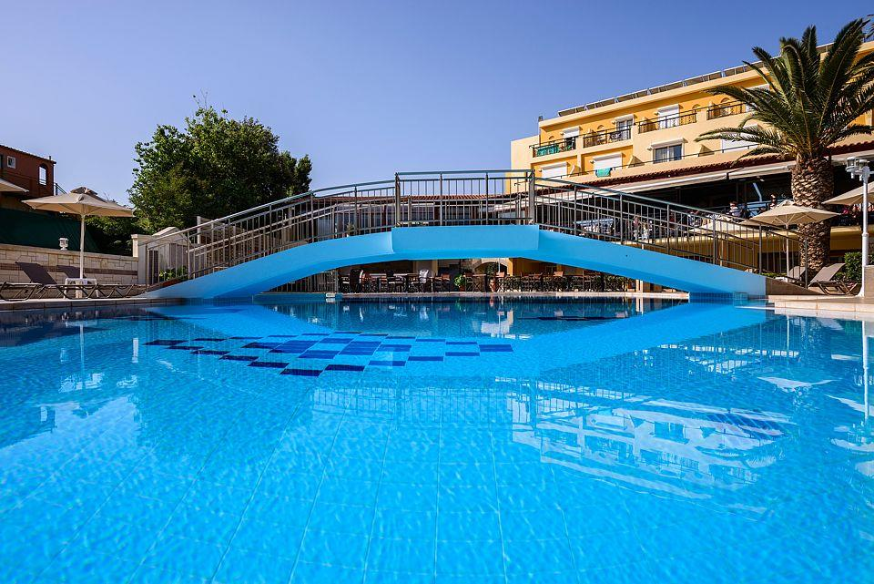 http://www.orextravel.sk/OREX/hotelphotos/vantaris-beach-general-0038.jpg
