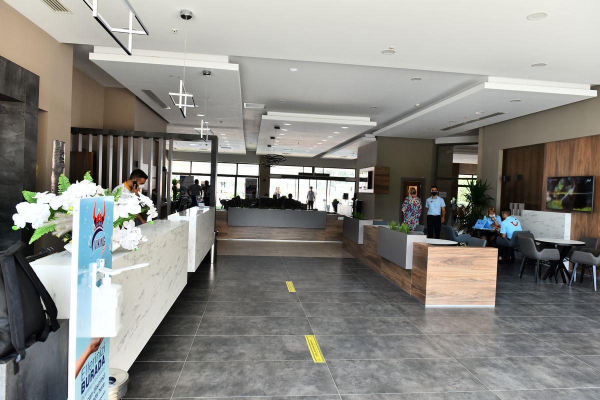 http://www.orextravel.sk/OREX/hotelphotos/viking-star-lobby-0034.JPG