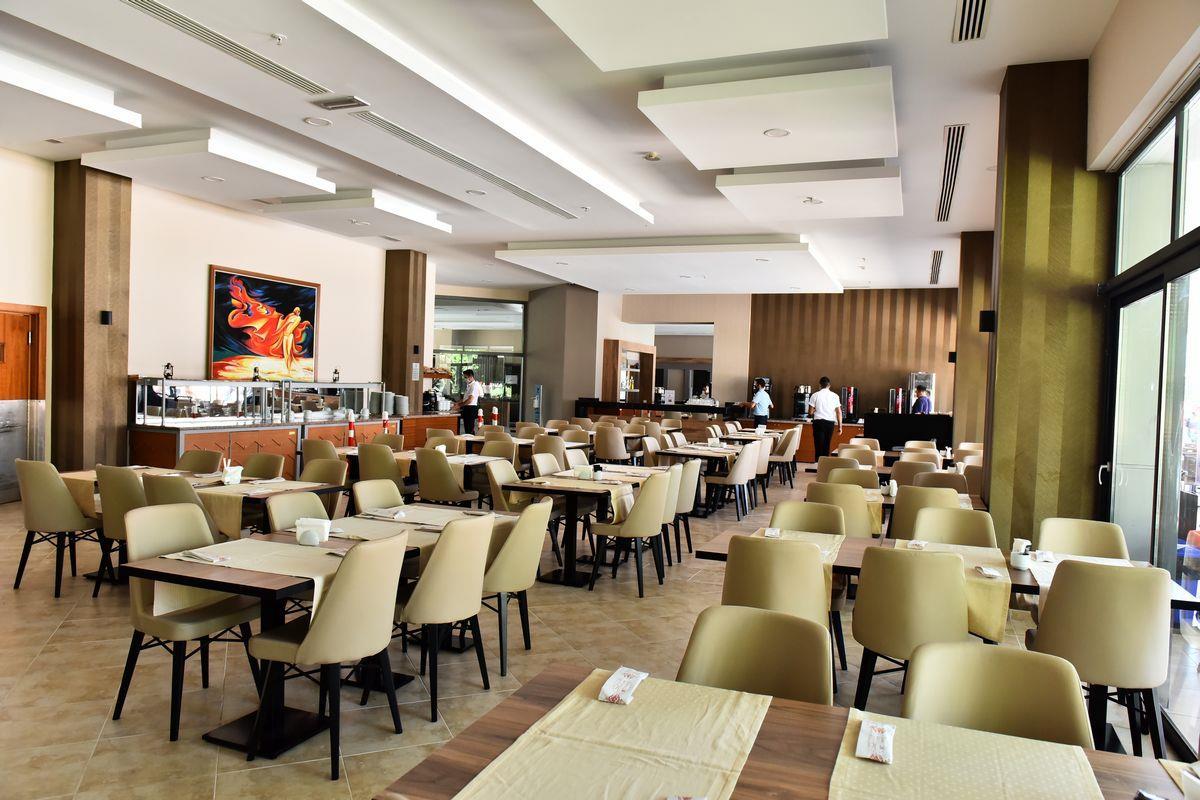 http://www.orextravel.sk/OREX/hotelphotos/viking-star-restaurant-0032.JPG