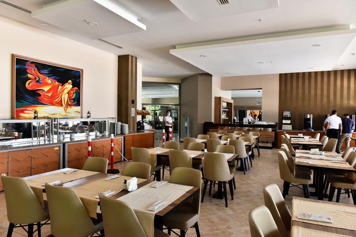 http://www.orextravel.sk/OREX/hotelphotos/viking-star-restaurant-0033.JPG