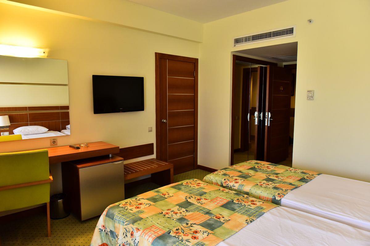 http://www.orextravel.sk/OREX/hotelphotos/viking-star-room-0046.JPG