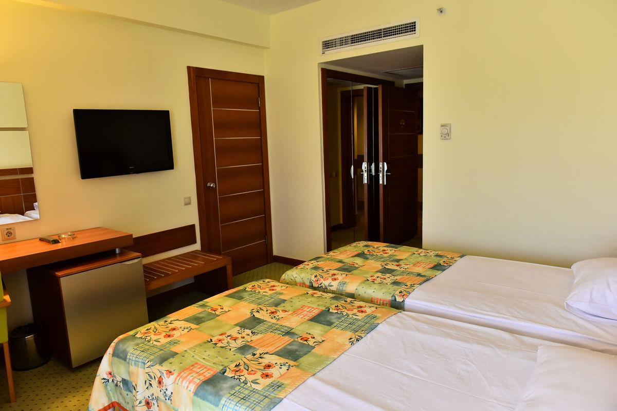 http://www.orextravel.sk/OREX/hotelphotos/viking-star-room-0048.JPG