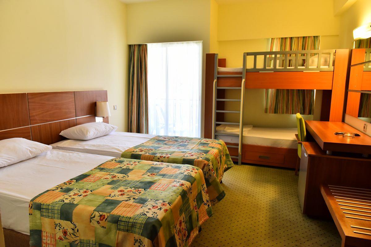 http://www.orextravel.sk/OREX/hotelphotos/viking-star-room-0049.JPG