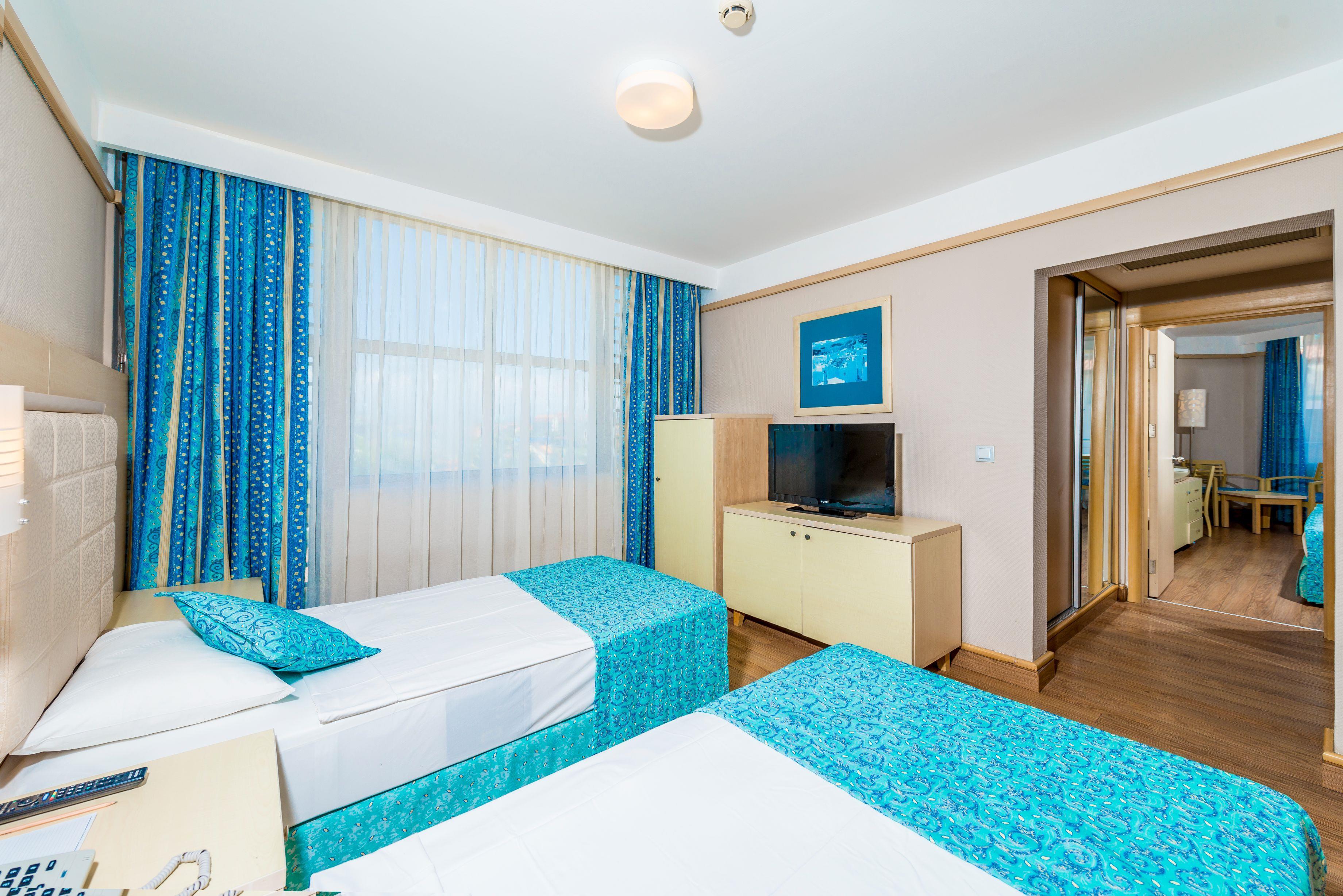 http://www.orextravel.sk/OREX/hotelphotos/vonresort-golden-coast-general-0012.jpg