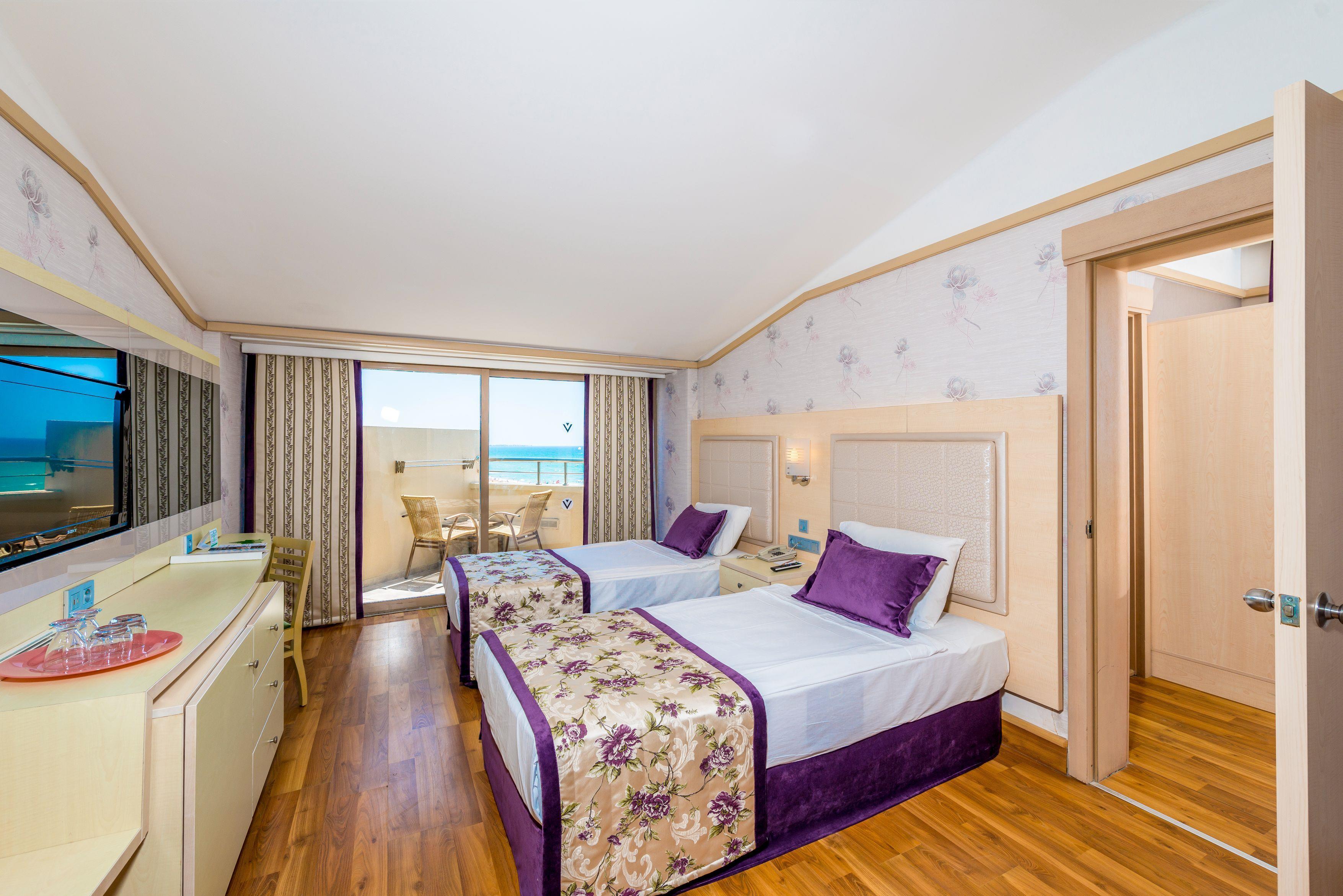 http://www.orextravel.sk/OREX/hotelphotos/vonresort-golden-coast-general-0020.jpg
