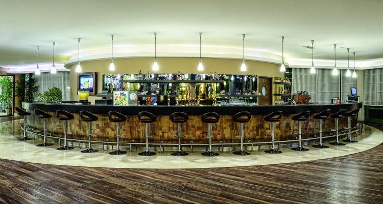 http://www.orextravel.sk/OREX/hotelphotos/vonresort-golden-coast-general-0027.jpg