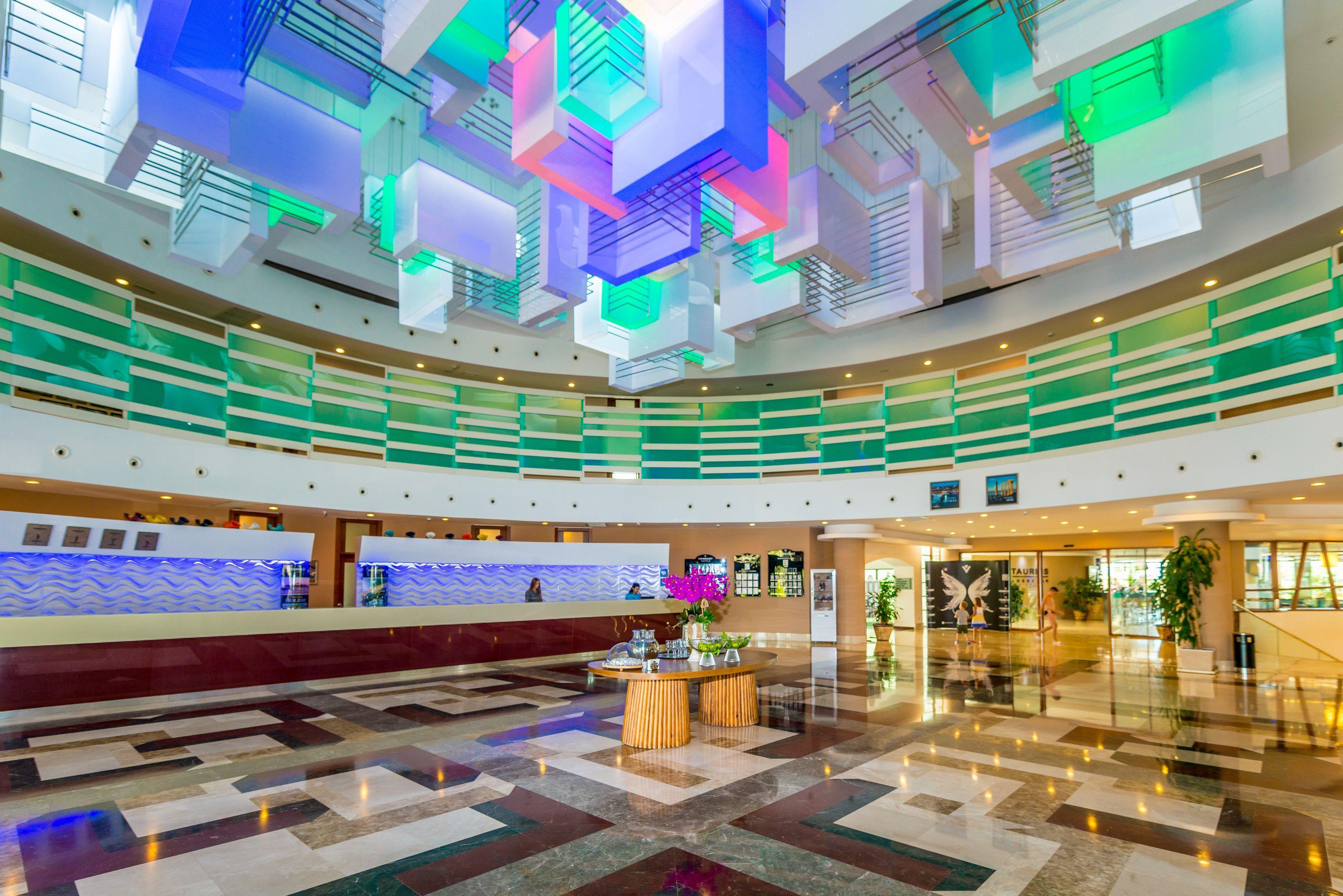 http://www.orextravel.sk/OREX/hotelphotos/vonresort-golden-coast-general-0041.jpg