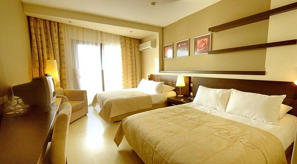 vuni-palace-hotel-001.jpg