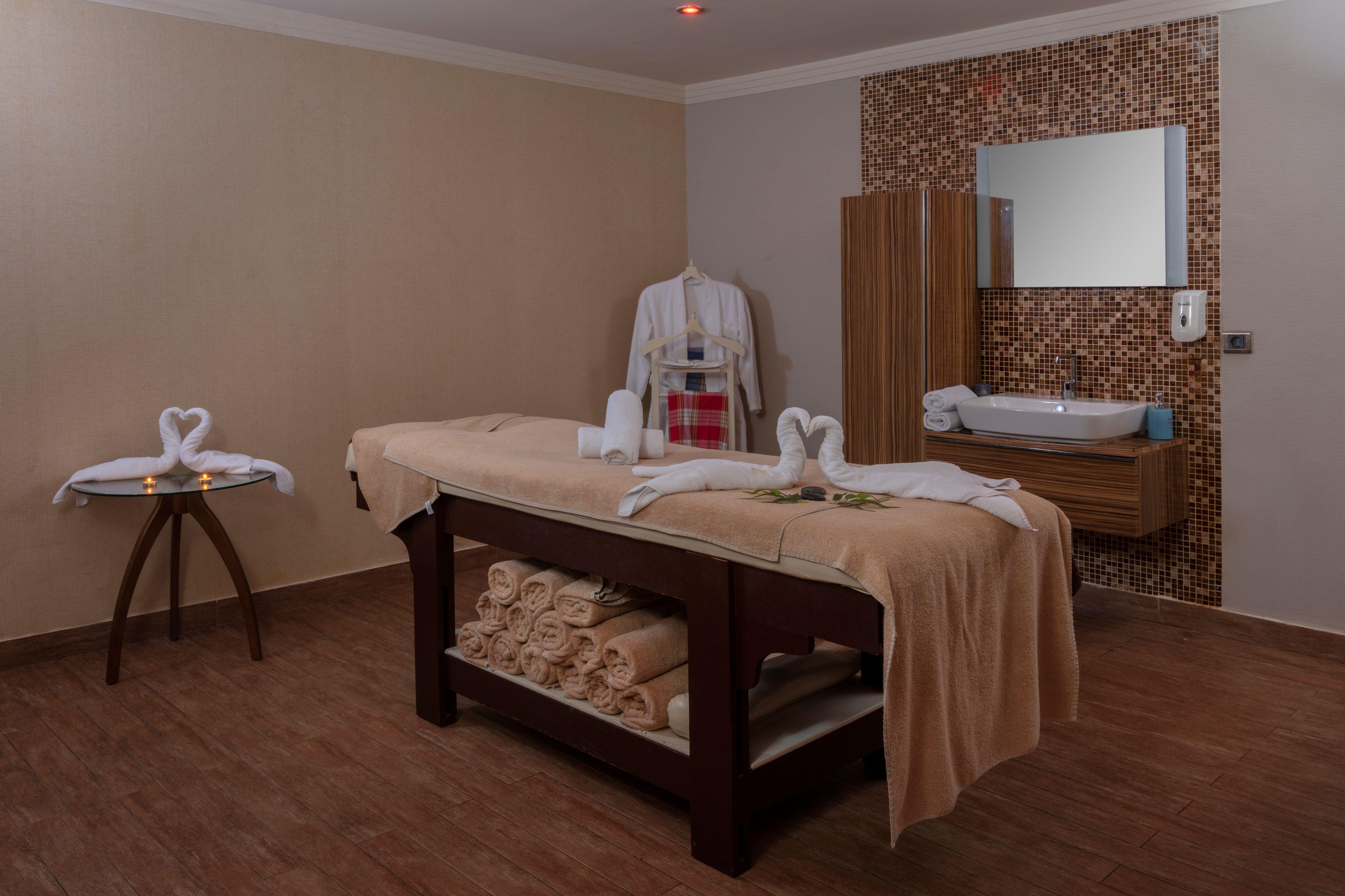 http://www.orextravel.sk/OREX/hotelphotos/zeynep-hotel-general-0027.jpg