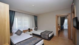 lake-river-side-hotel-reception-099.jpg