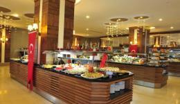 lake-river-side-hotel-reception-100.jpg