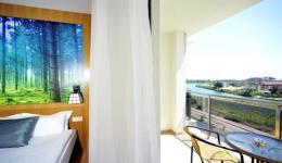 lake-river-side-hotel-reception-113.jpg