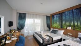 lake-river-side-hotel-reception-115.jpg